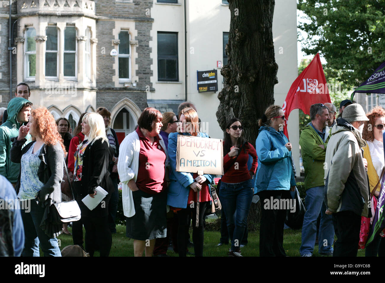 Cardiff, UK. 1st July, 2016. Cardiff rally defending the Labour Leader Jeremy Corbyn outside of the Unite union - Stock Image