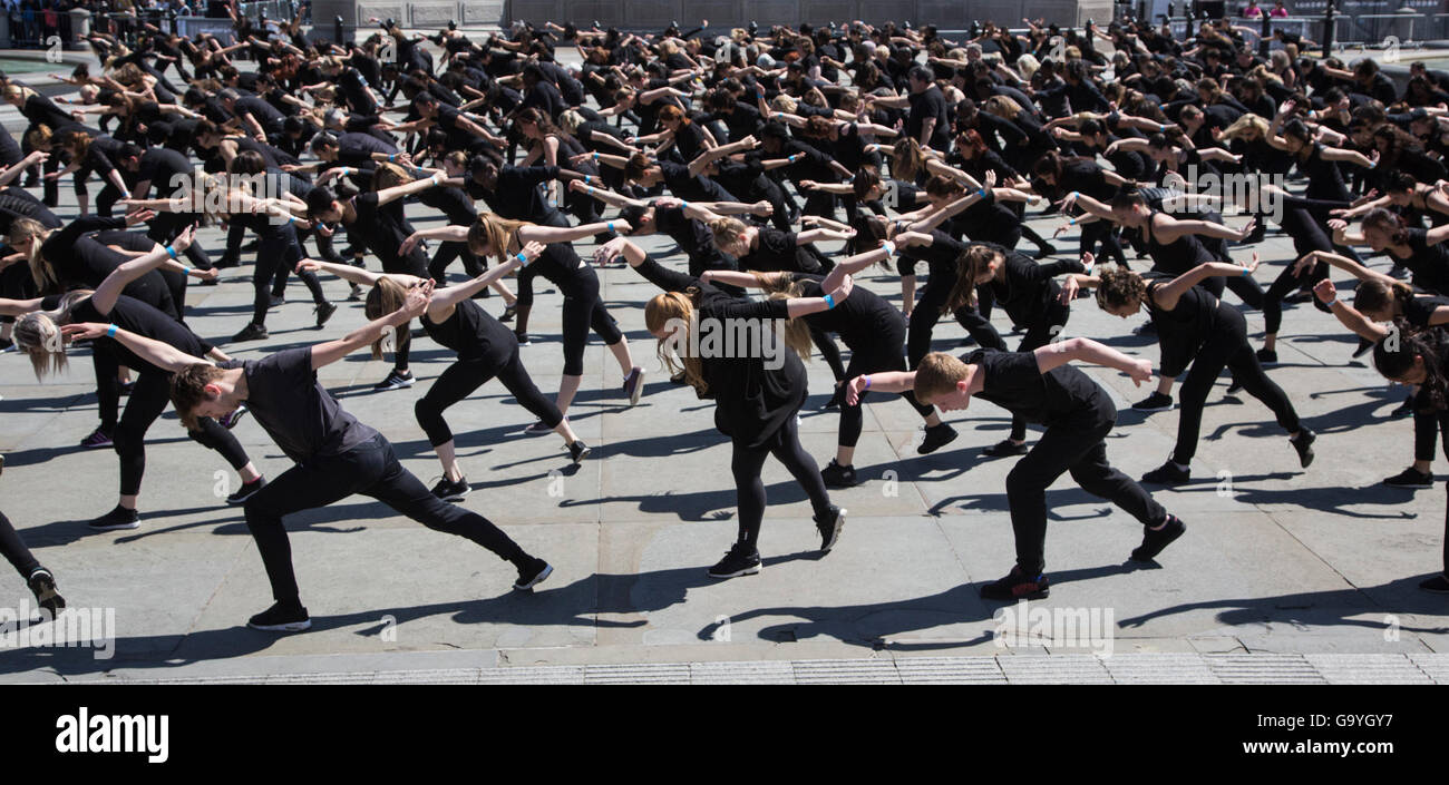 London, UK. 2 July 2016. 400 dancers aged 14 to 86 took part in the Big Dance 2016 mass dance event in Trafalgar Stock Photo