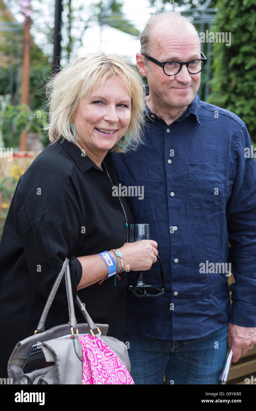 London, UK. 4 July 2016. Jennifer Saunders and Adrian Edmondson.  Press day at the RHS Hampton Court Flower Show. - Stock Image