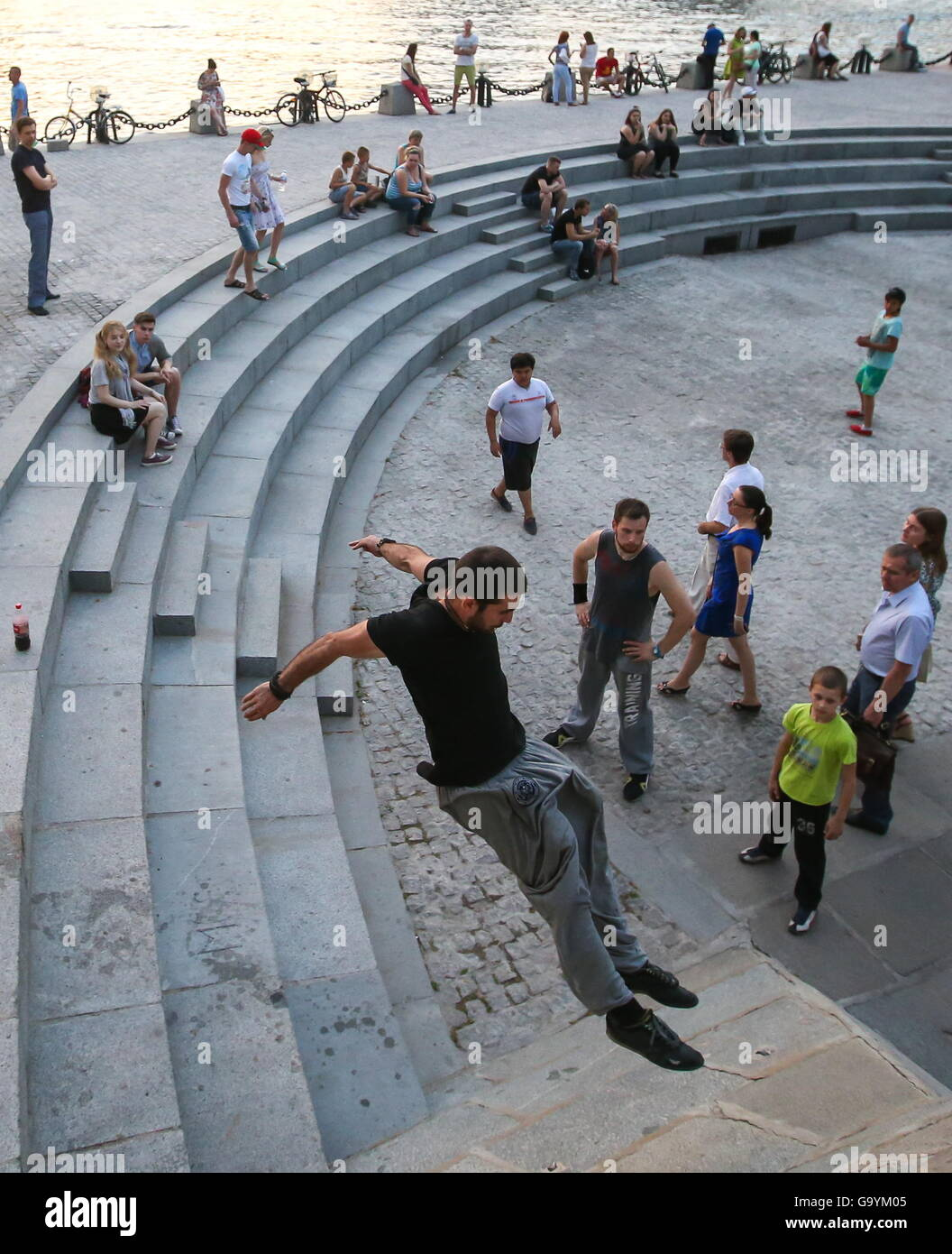 Moscow, Russia. 1st July, 2016. Traceurs of the Moscow Academy of Parkour during a training session on Pushkinskaya - Stock Image