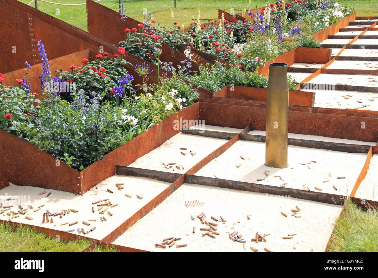 Bronze Medal Winner: 'Peacemaker' by Katerina Rafaj. Conceptual Garden. RHS Hampton Court Palace Flower - Stock Image