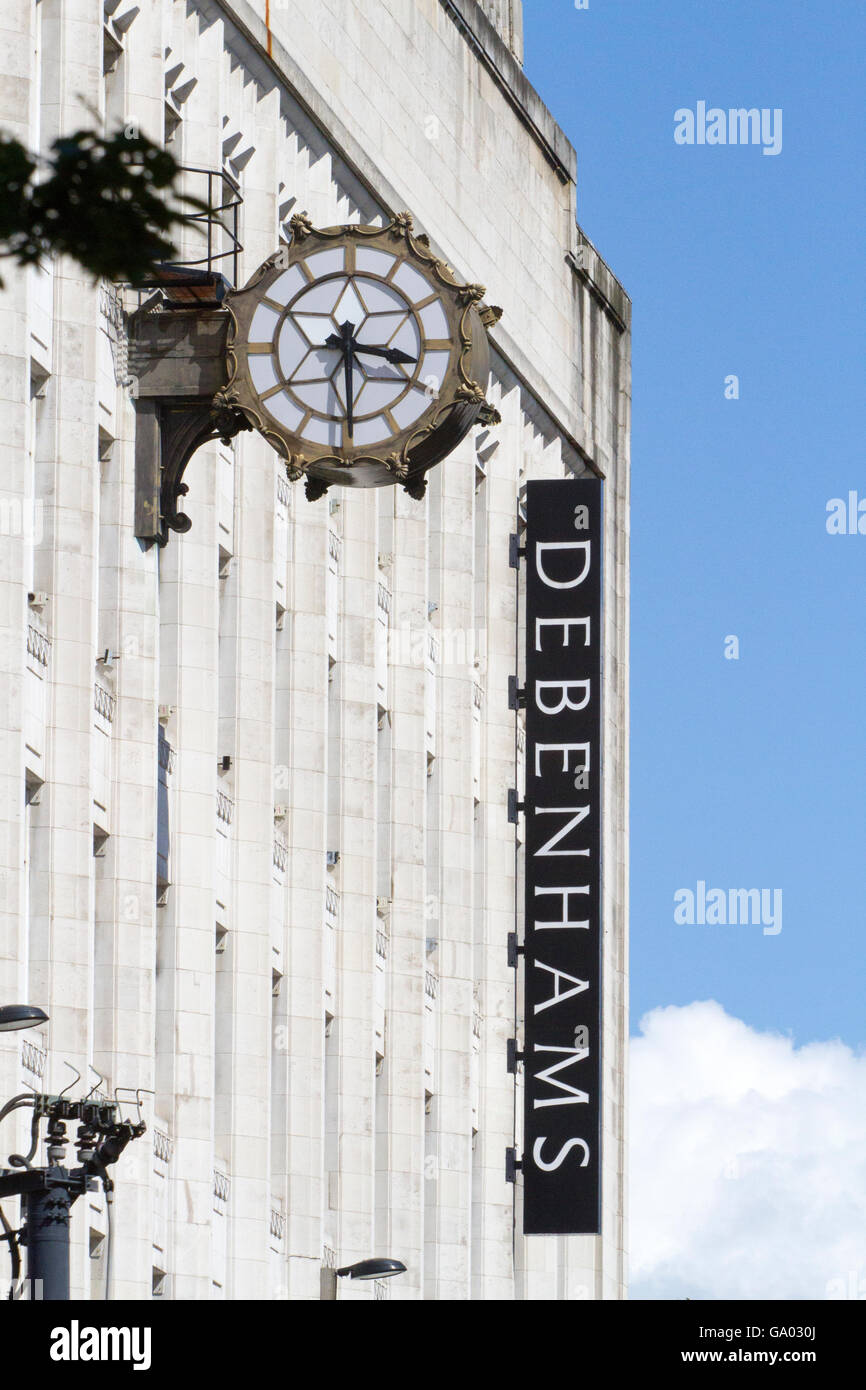 Time being three thirty at the Debenhams store in Manchester Piccadilly with timepiece ticking away. UK. - Stock Image