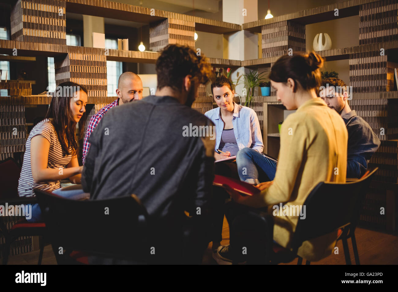 Colleagues having discussion - Stock Image