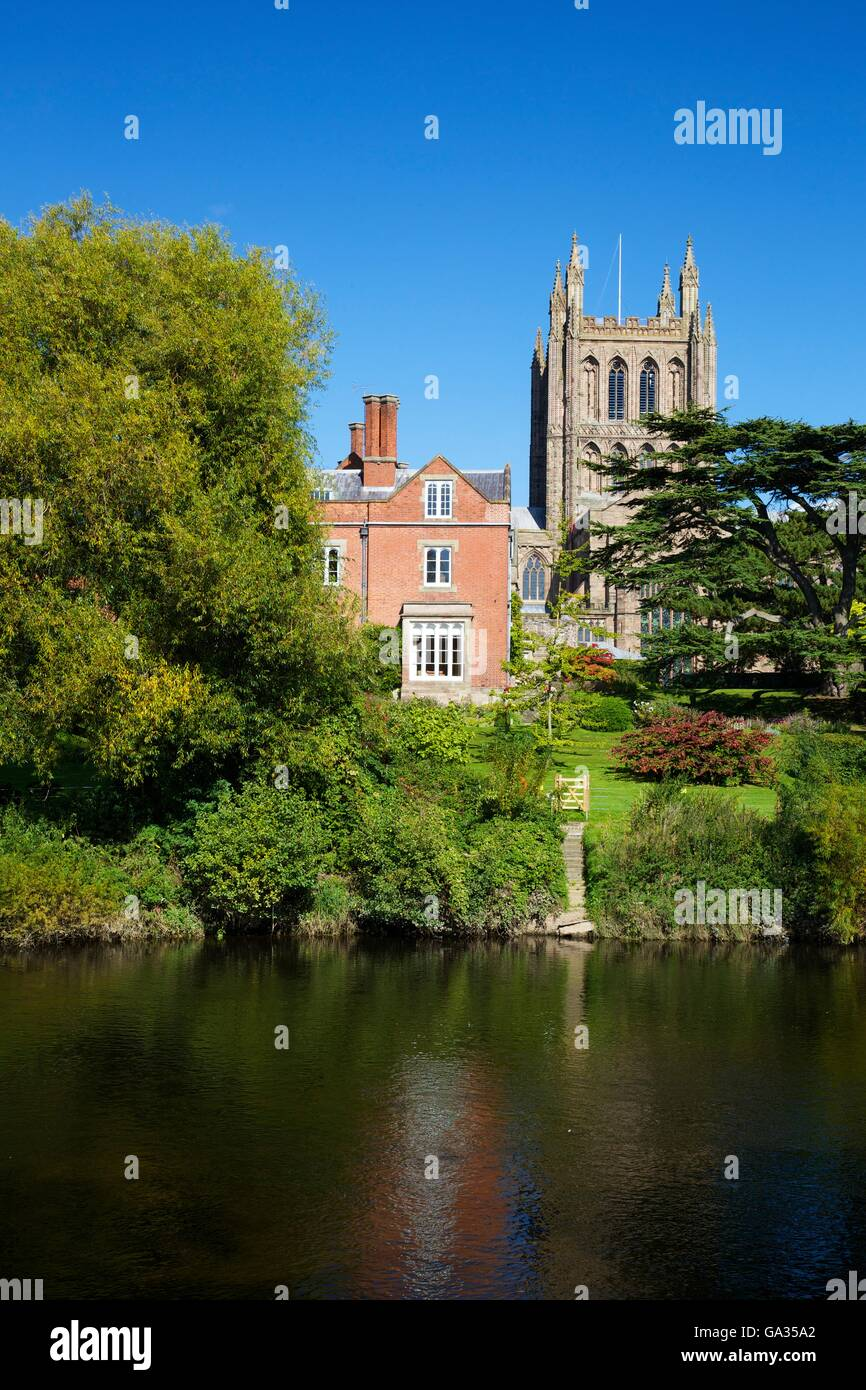 Hereford Cathedral Bishop's Palace River Wye, Herefordshire, England, UK, GB, Europe - Stock Image