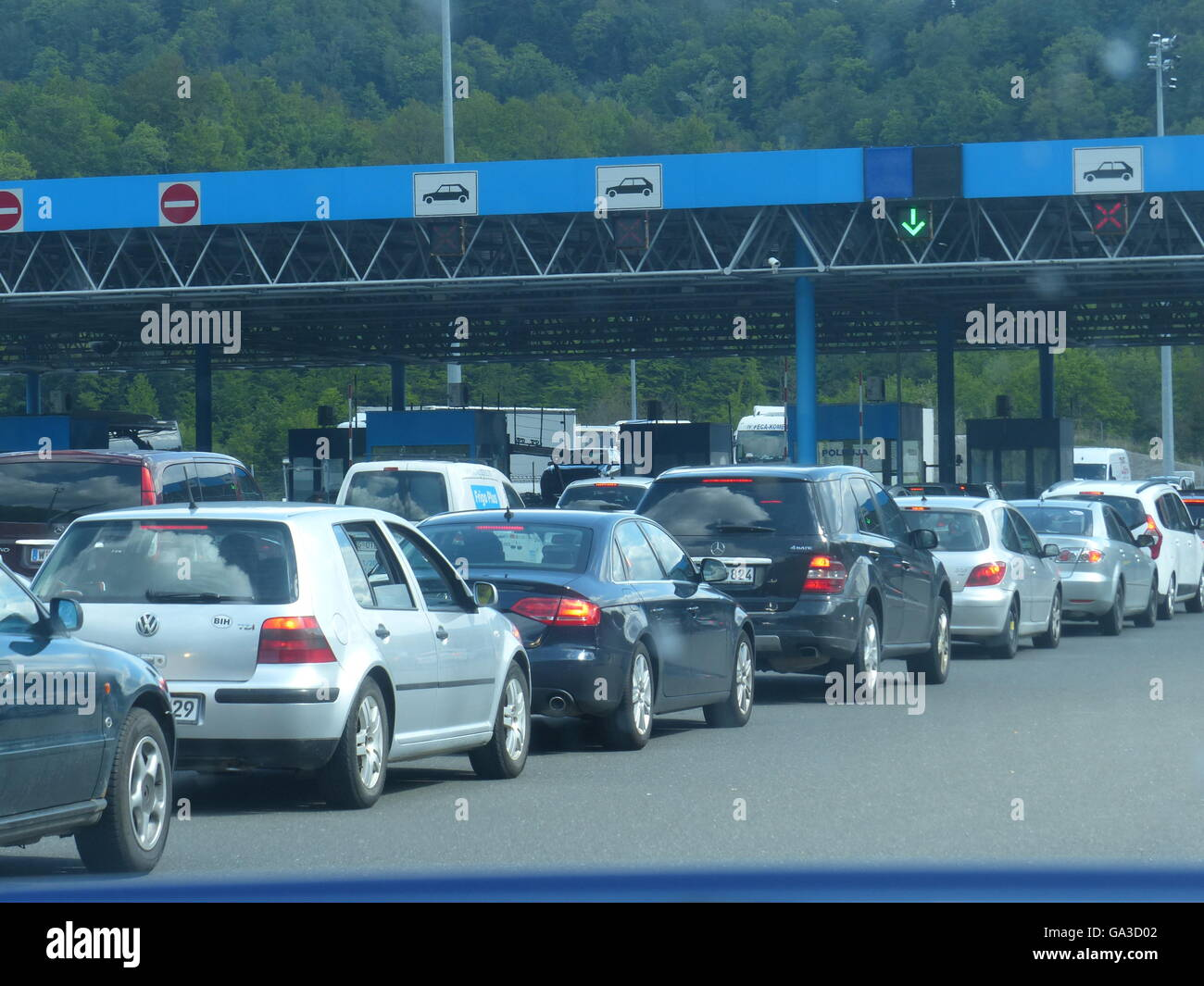 Cars lined up for customs inspection,Croatia - Stock Image