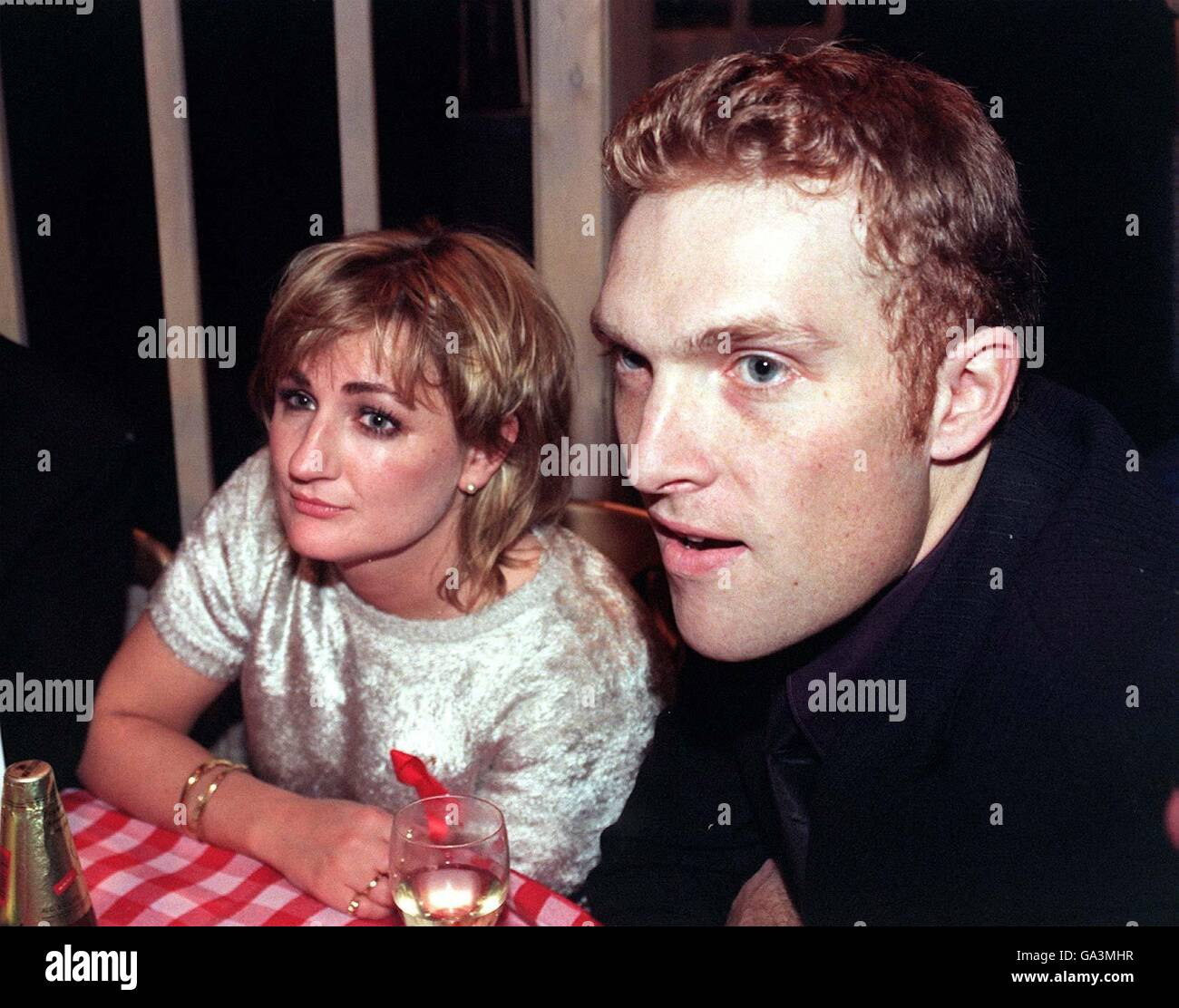 File photo dated 10/04/1997 of Caroline Aherne and her then boyfriend Matt Bowers at the British Comedy Awards, - Stock Image
