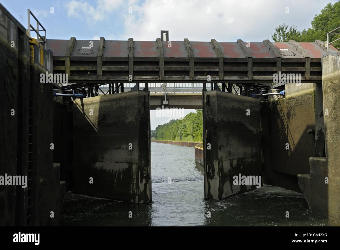Floodgate Gelsenkirchen, Rhine-Herne-canal, Gelsenkirchen, North Rhine-Westphalia, Germany - Stock Image