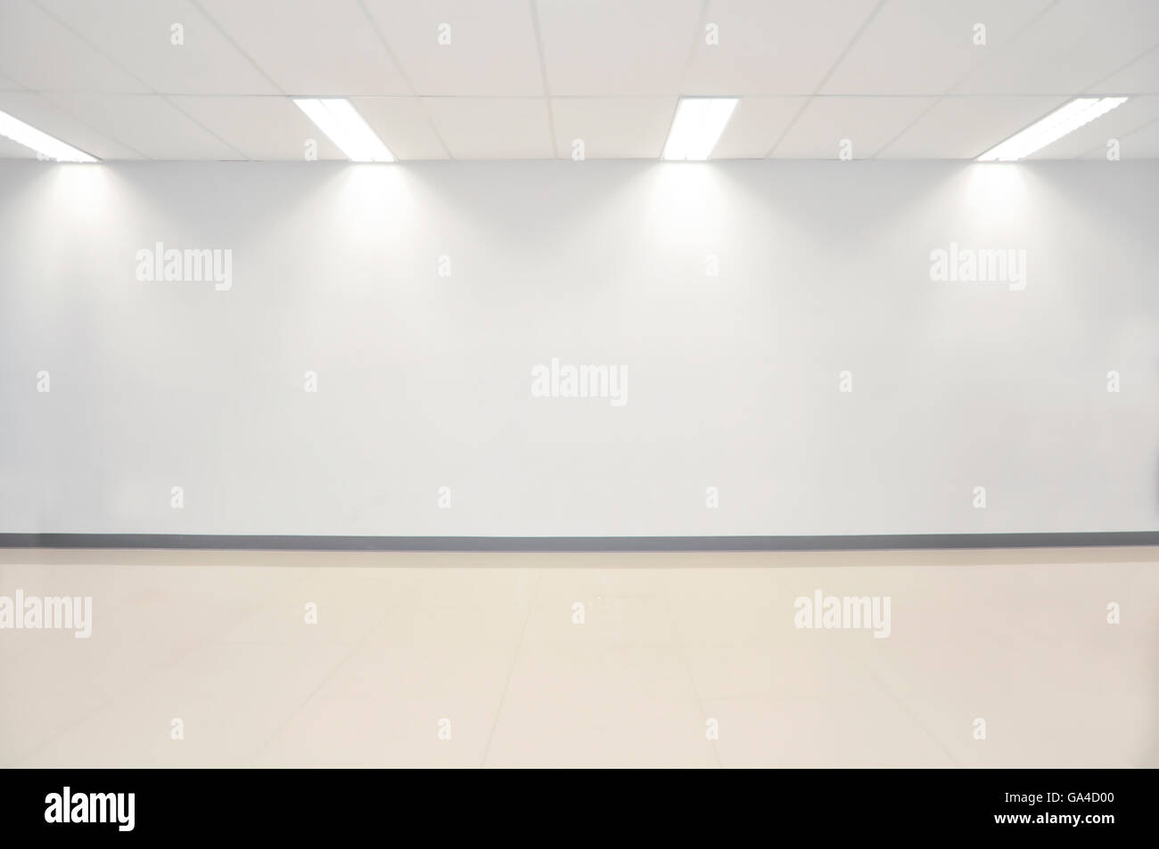 Photo white empty wall contemporary gallery - Stock Image