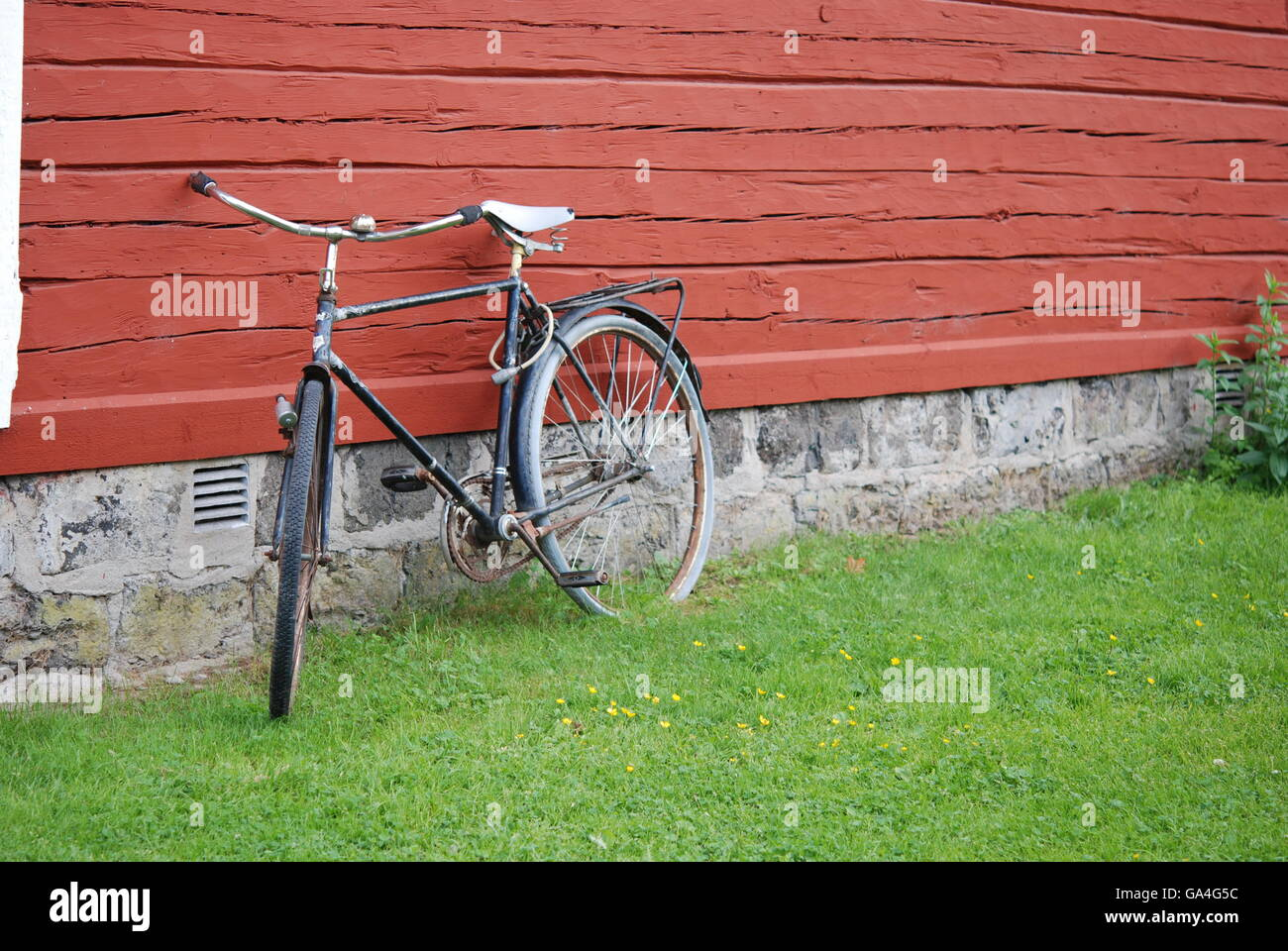 Rusty Old Bike Stock Photos Amp Rusty Old Bike Stock Images