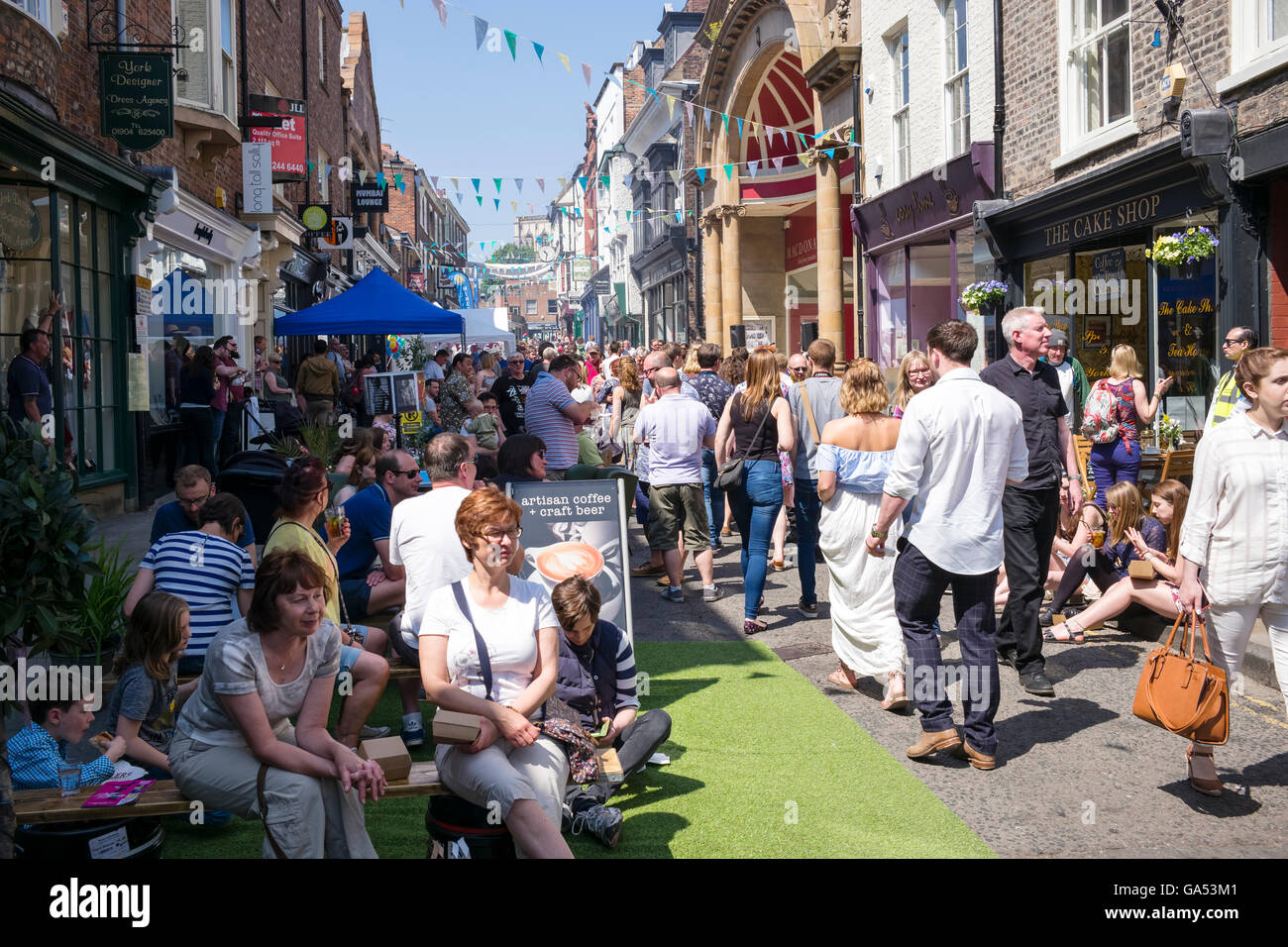 Families and friends enjoying the Fossgate Festival, City of York, England, UK - Stock Image
