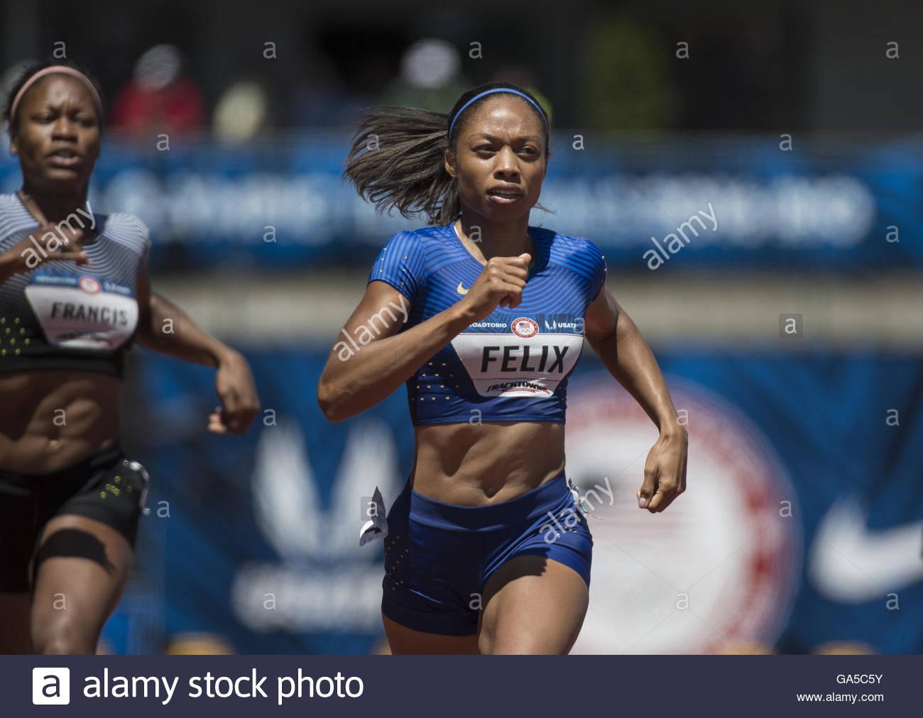 Eugene, Oregon, USA. 2nd July, 2016. USATF Olympic Trials, Eugene, Oregon- PHYLLIS FRANCIS (left), and ALLYSON FELIX - Stock Image