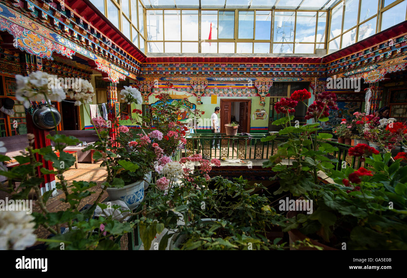 Lhasa. 15th June, 2016. Photo taken on June 15, 2016 shows the inside view of a Tibetan style building in Xigaze, - Stock Image