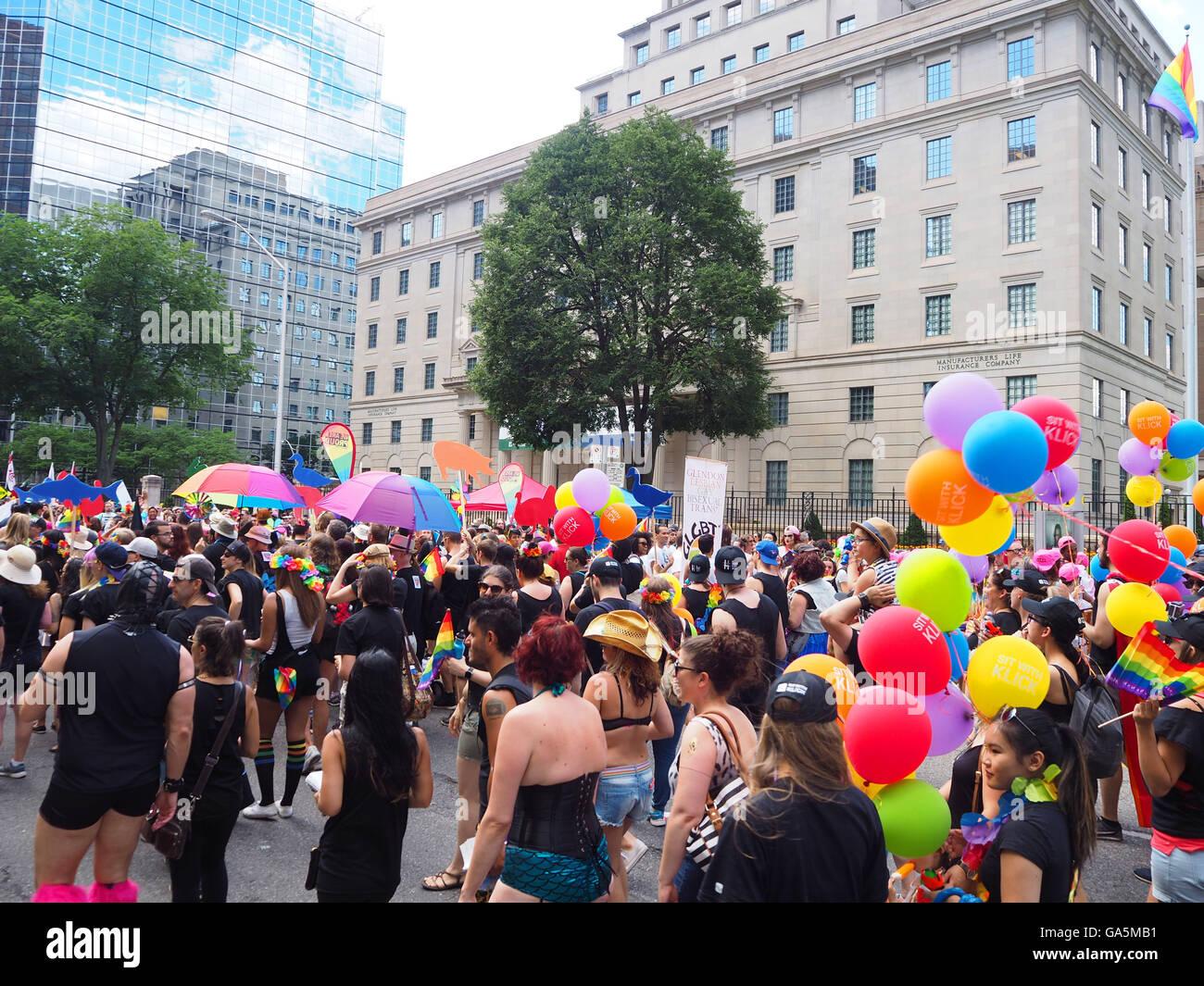 Gay pride parade toronto 2005