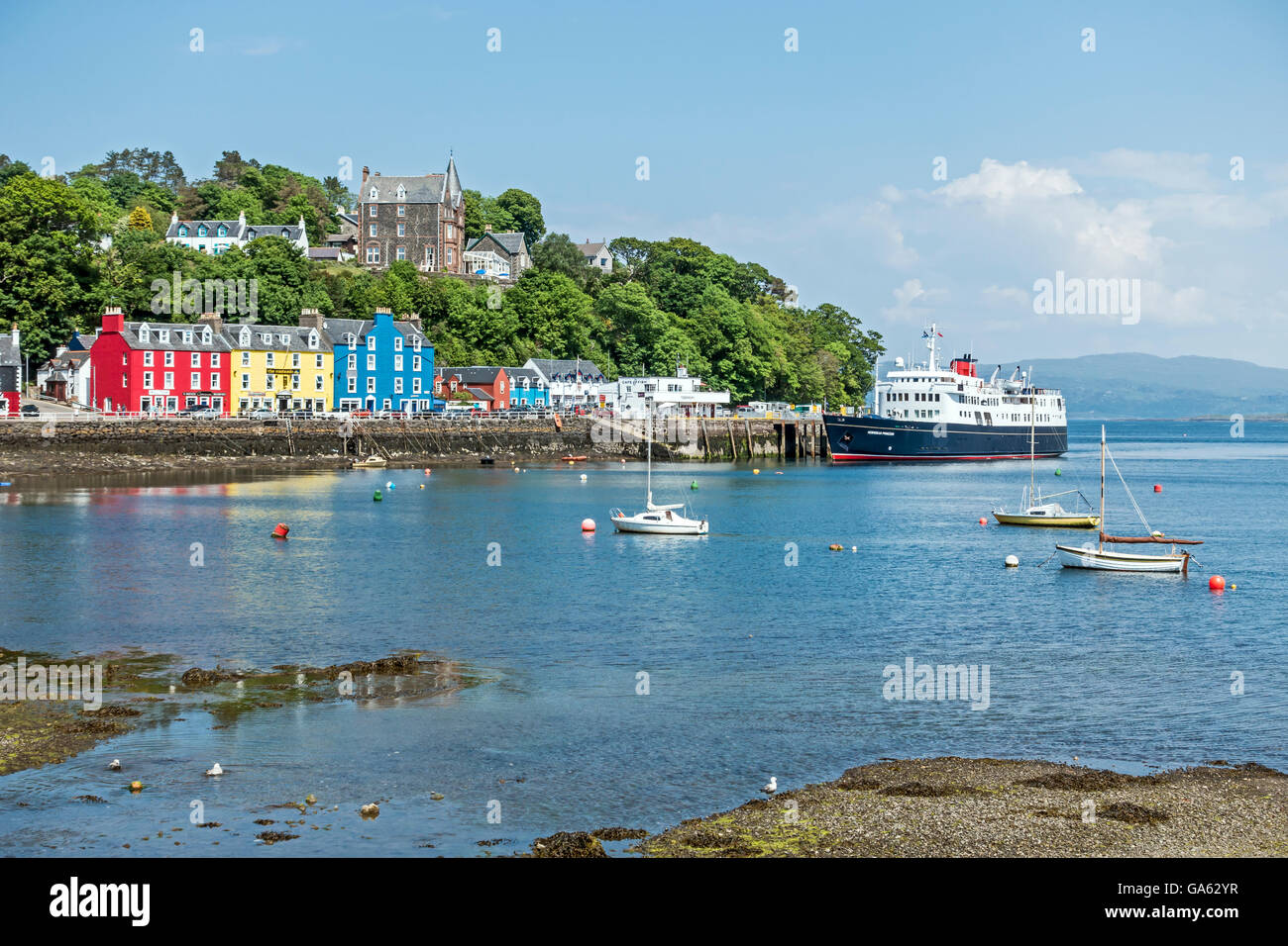 Cruise ship Hebridean Princes moored at the pier in Tobermory Isle of Mull Scotland - Stock Image