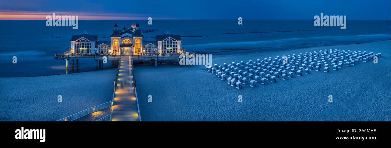 evening photograph of the pier, Sellin, Ruegen Island, Mecklenburg-West Pomerania, Germany - Stock Image