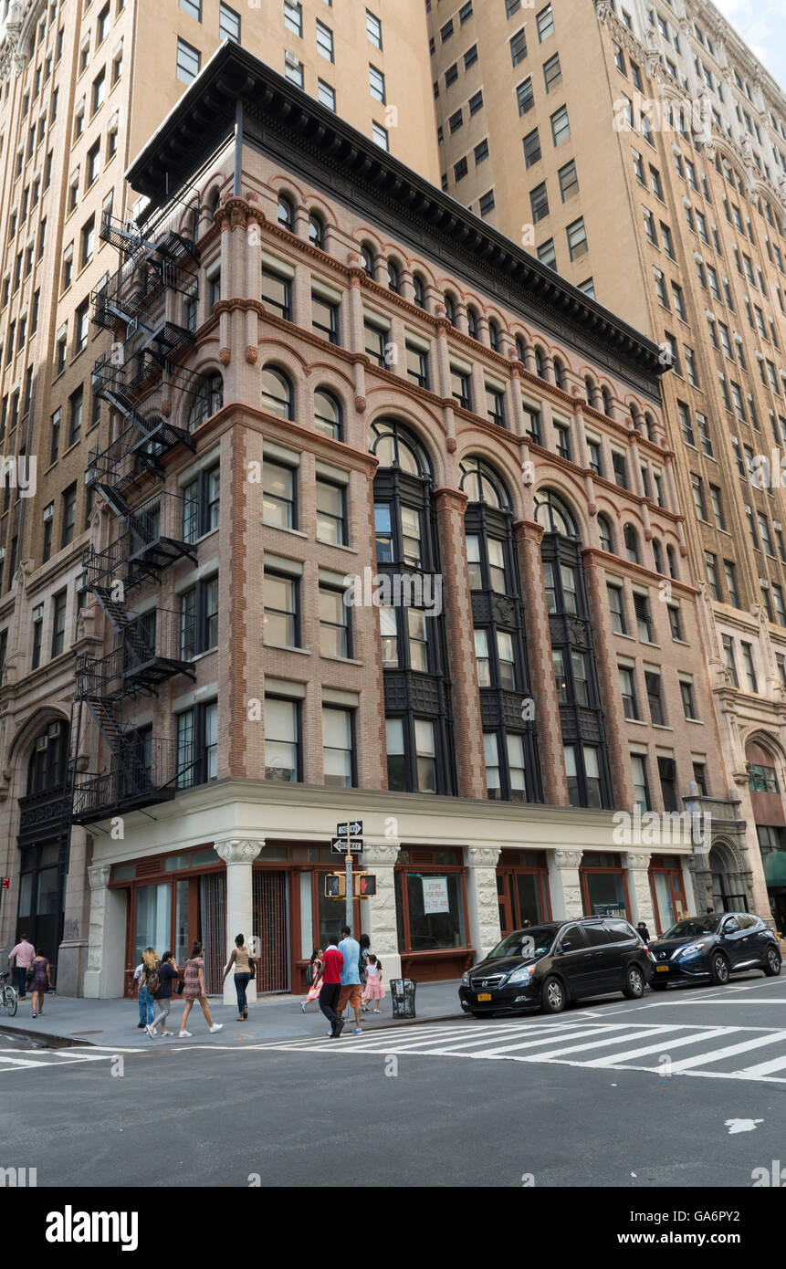 Landmarked Ahrens building in Tribeca, New York, (70-76 Lafayette Street) in romanesque revival architectural style - Stock Image
