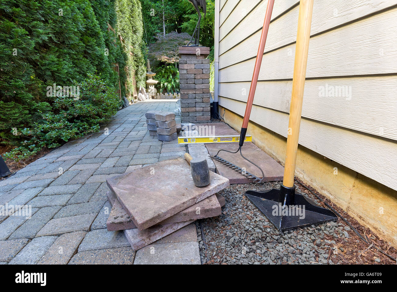 Stone Pavers And Tiles For Side Yard Patio Hardscape For Garden
