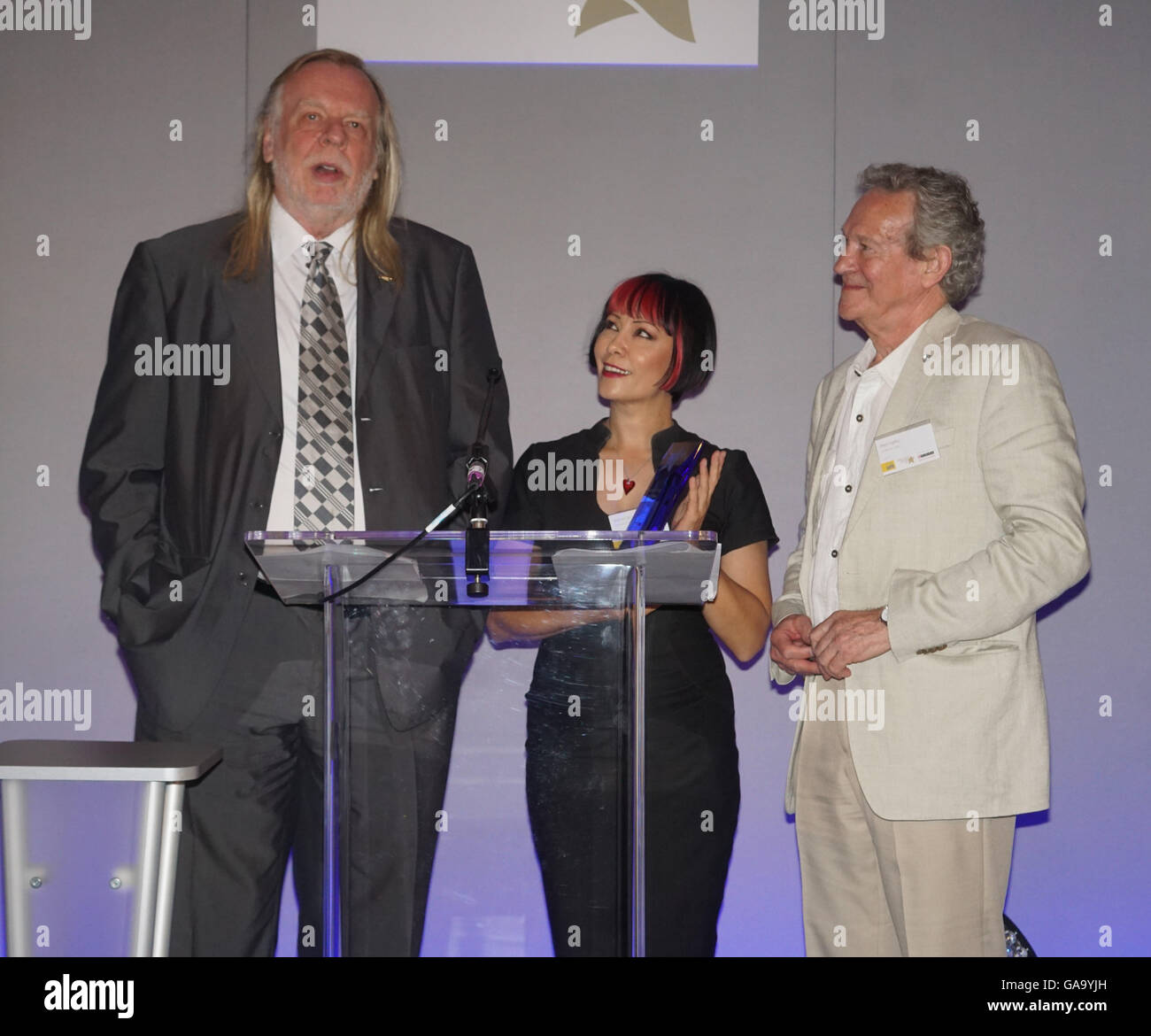 London, UK. 4th August, 2016. Rick Wakeman , Saffron Sprucing and Paul Copley present the National Cat of the Year Stock Photo