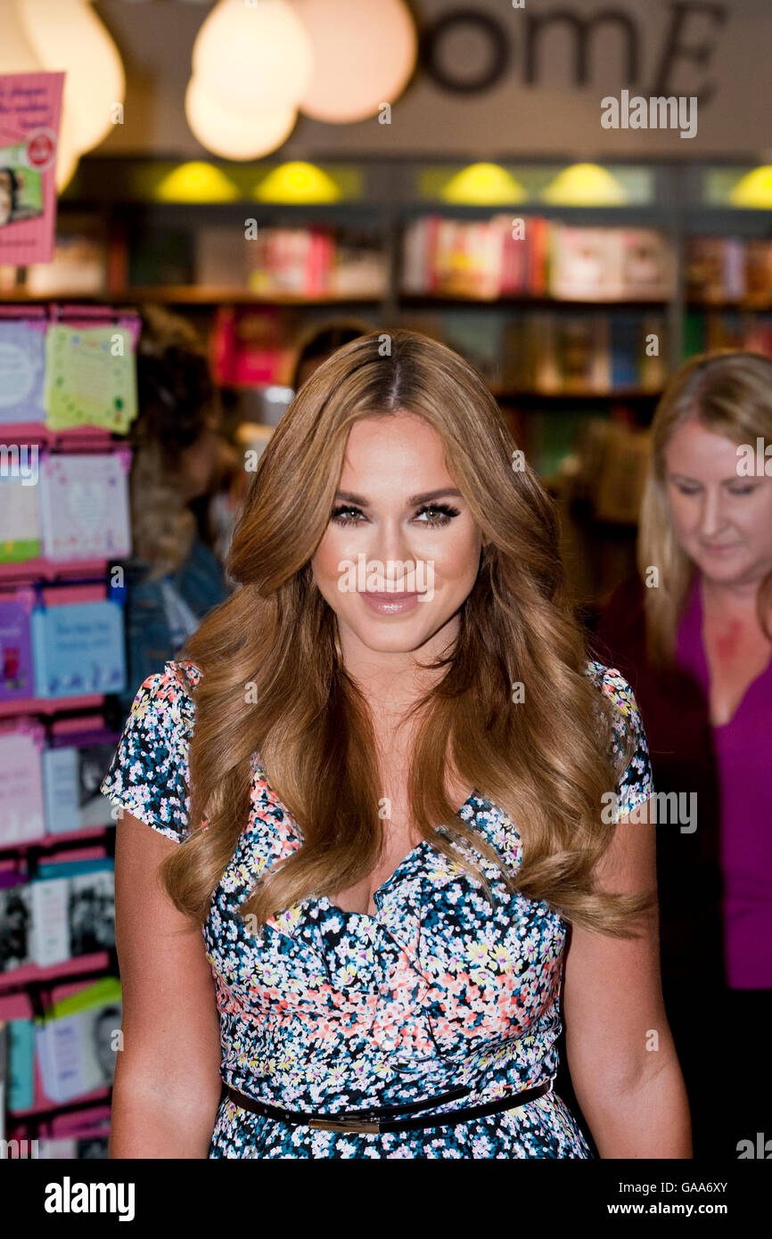 Easons Book Store, Belfast, UK. 5th August 2016. Vicky Pattison was in Belfast signing copies of her book 'The - Stock Image