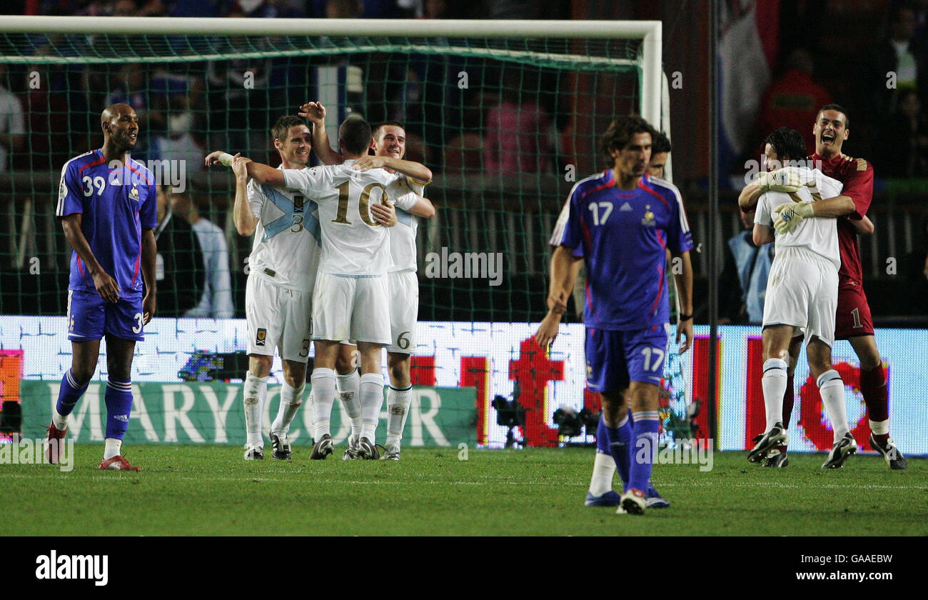 Scotland's players with keeper Craig Gordon(r) celebrate winning the European Qualifier against France at the - Stock Image