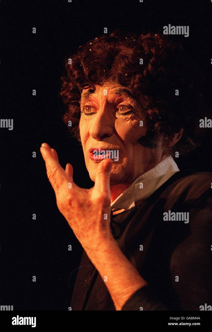 Marcel Marceau dies - Stock Image
