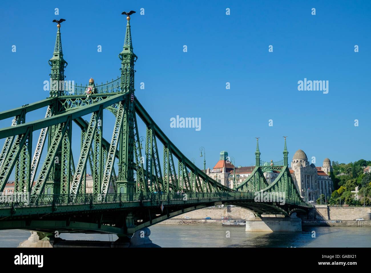 Liberty Bridge (aka Freedom Bridge), a cantilever truss bridge, connecting Buda and Pest, central Budapest, Hungary - Stock Image