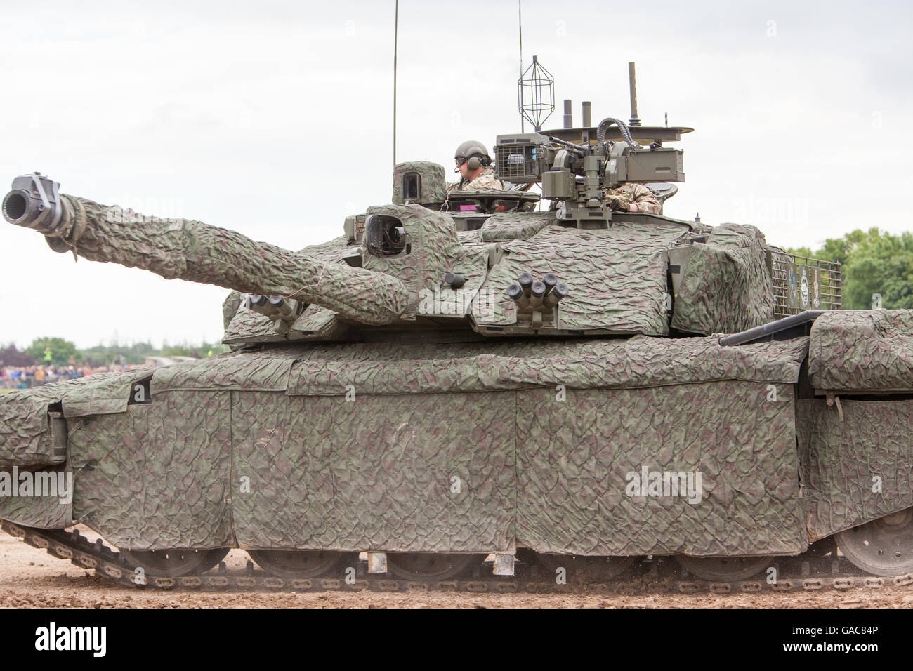 57bee81dd473 Challenger 2 main battle tank (Megatron) with heat and radar thermal solar  reducing blanket