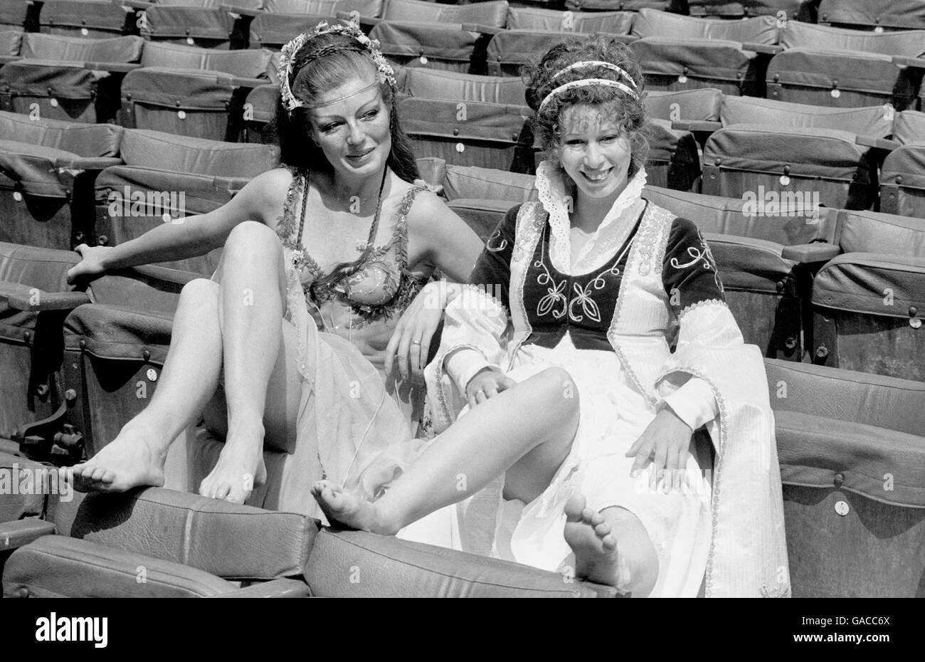 Yvonne Elliman,Louise Caire Clark XXX photos Bonita Granville,Betty Huntley-Wright