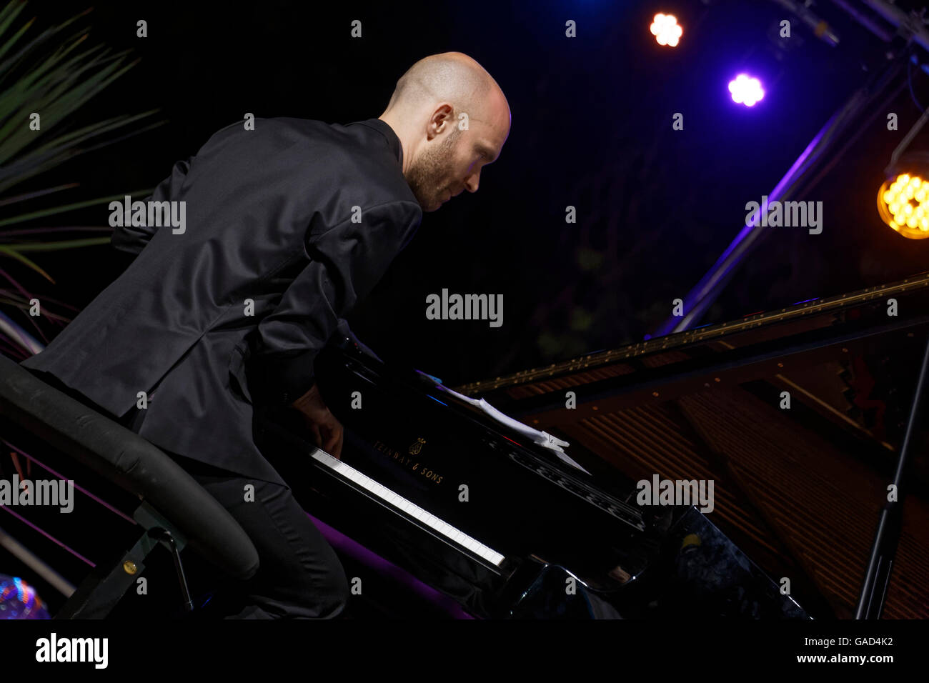 Agde, France.July, 2, 2016.Michel Gagliolo accompagnied The Messengers sextet.Credit : Veronique Phitoussi/Alamy - Stock Image