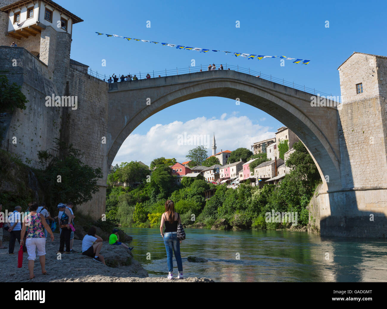 Mostar, Herzegovina-Neretva, Bosnia and Herzegovina.  The single-arch Stari Most, or Old Bridge, crossing the Neretva - Stock Image