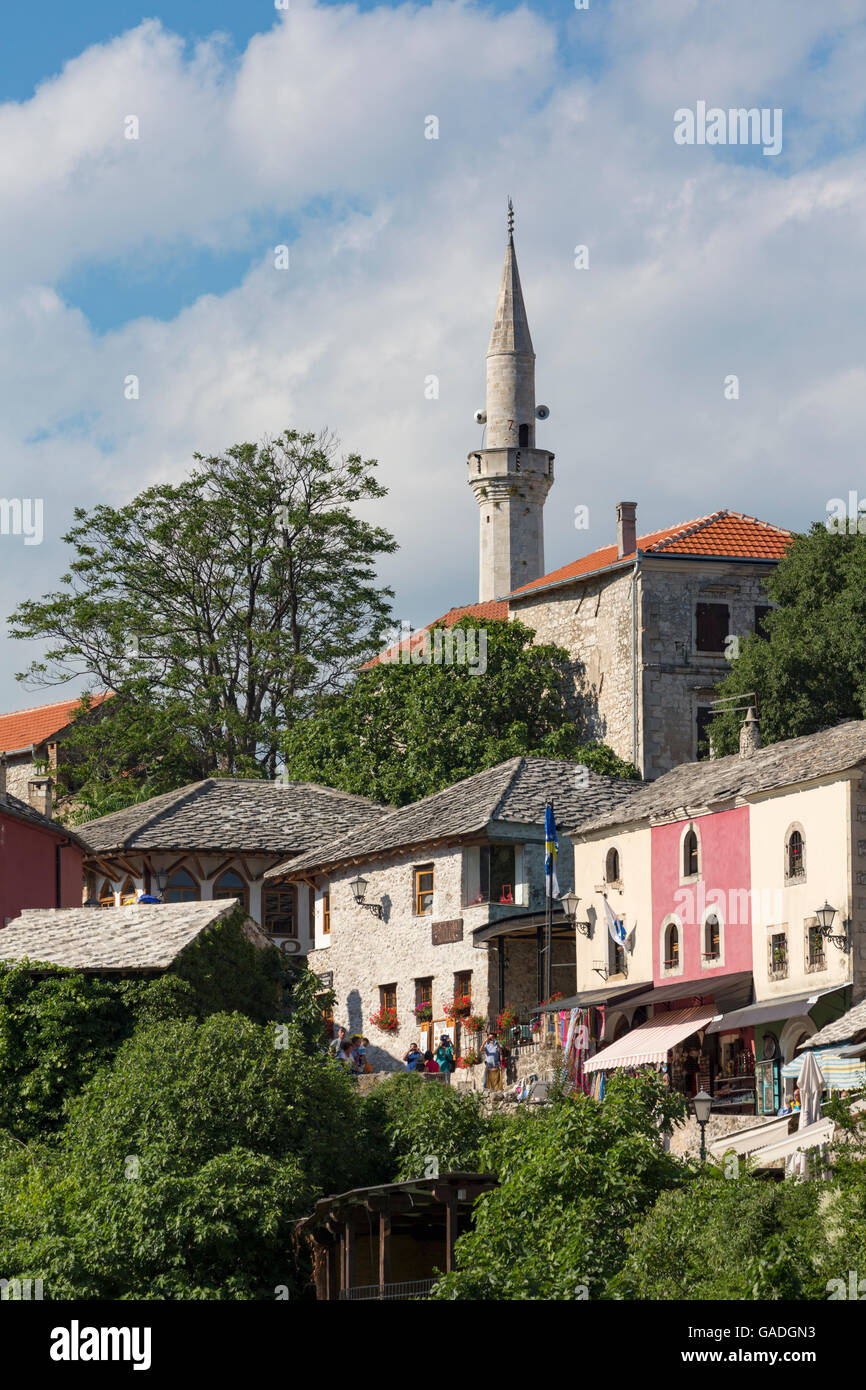 Mostar, Herzegovina-Neretva, Bosnia and Herzegovina.  Old town seen from the Stari Most, or Old Bridge. - Stock Image