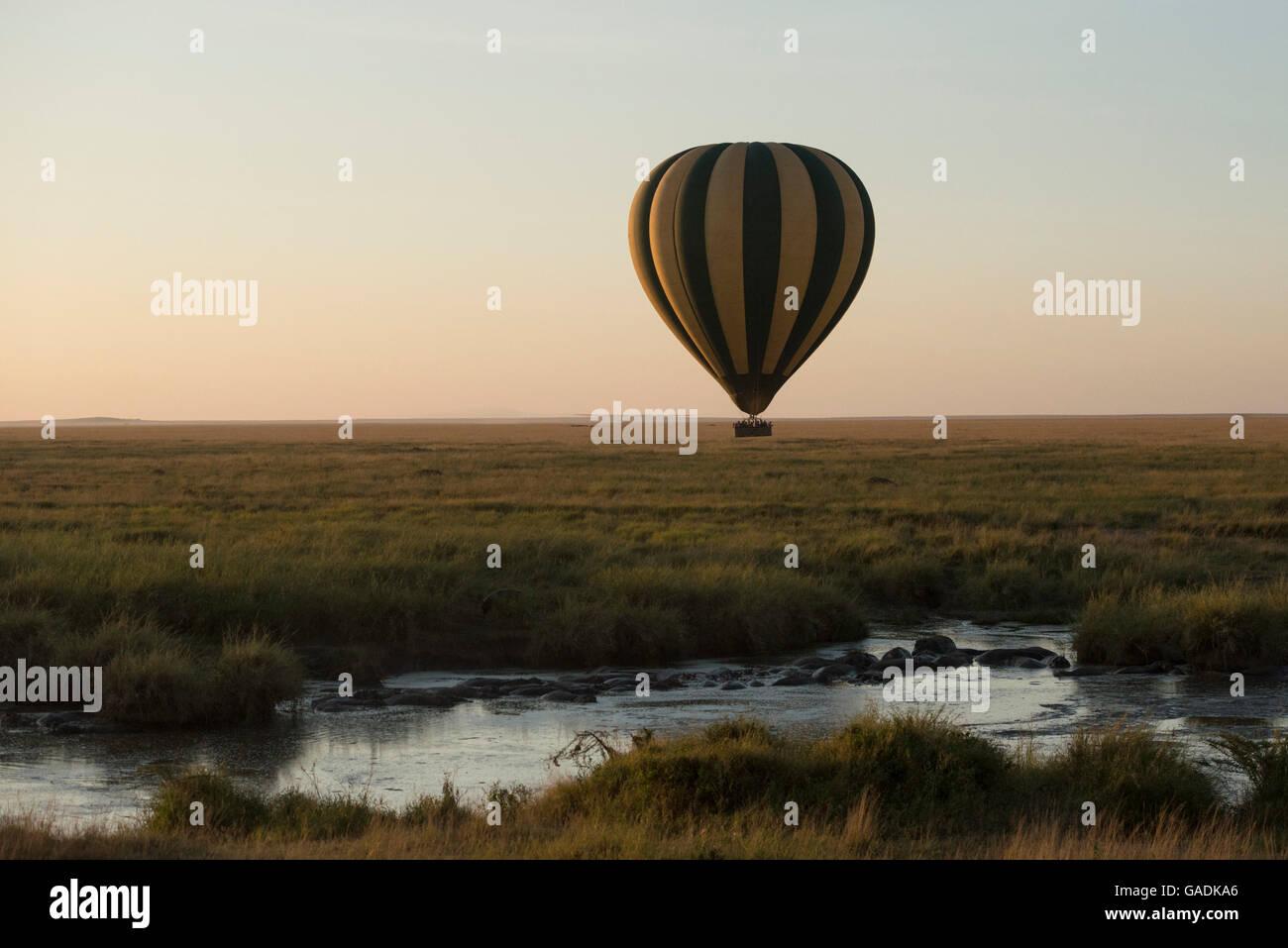 Balloon safari, Serengeti National Park, Tanzania - Stock Image