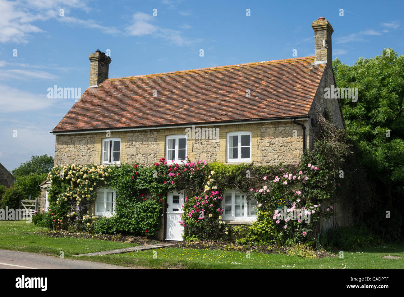 England, Hampshire, Isle of Wight, Newtown, cottage - Stock Image