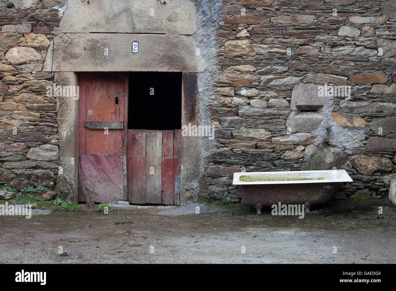 San Romao da Retorta, Spain: Rustic farmhouse along the Camino Primitivo. - Stock Image