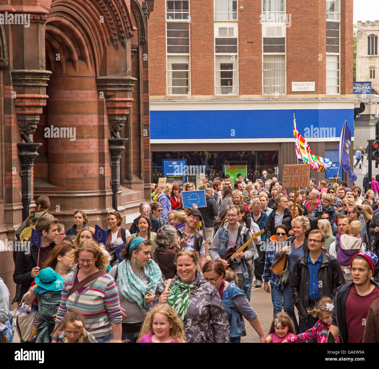 York, England. 02nd July 2016 Over 1000 supporters of Britain staying in the European Union (EU) marched through - Stock Image