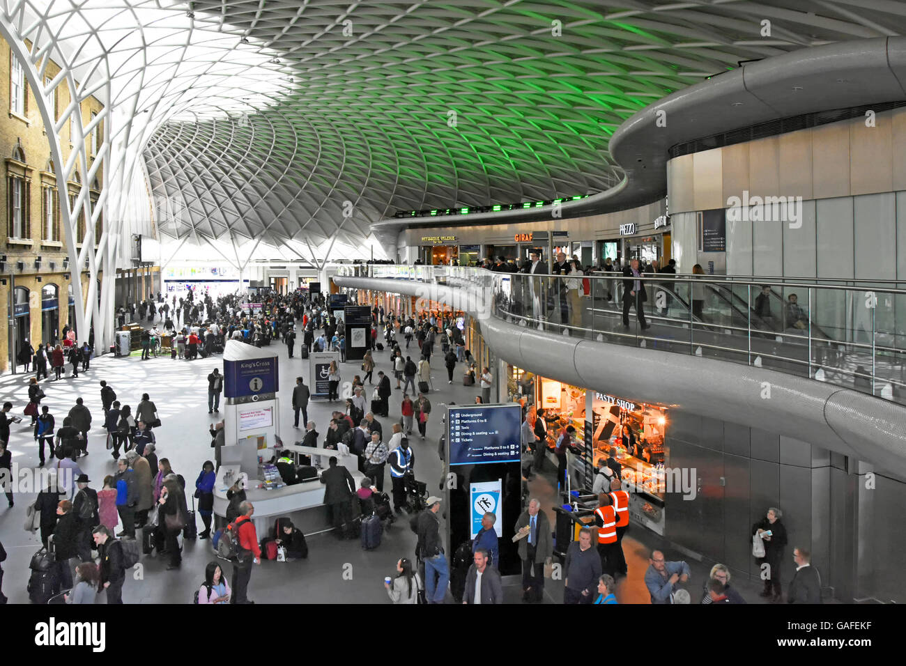 London train stock photos london train stock images alamy - Stansted express ticket office liverpool street ...