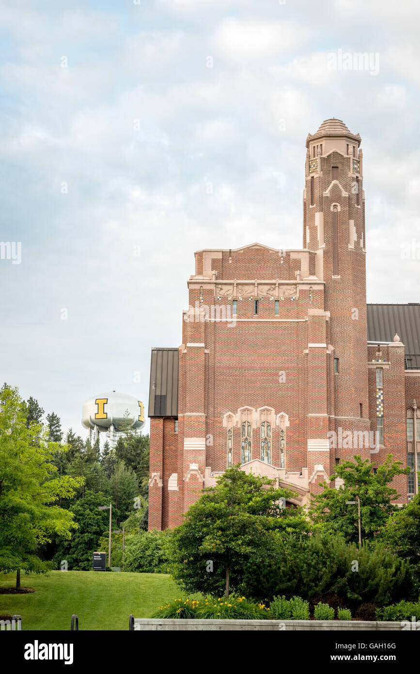 Memorial Gym On The University Of Idaho Campus With Iconic Water Tower    Stock Image