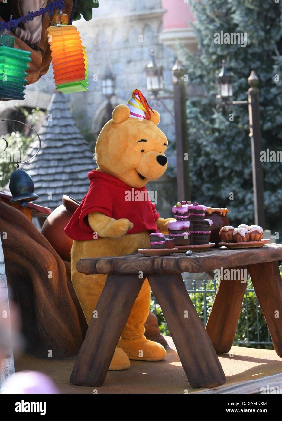 Winnie The Pooh Cartoon Stock Photos Amp Winnie The Pooh
