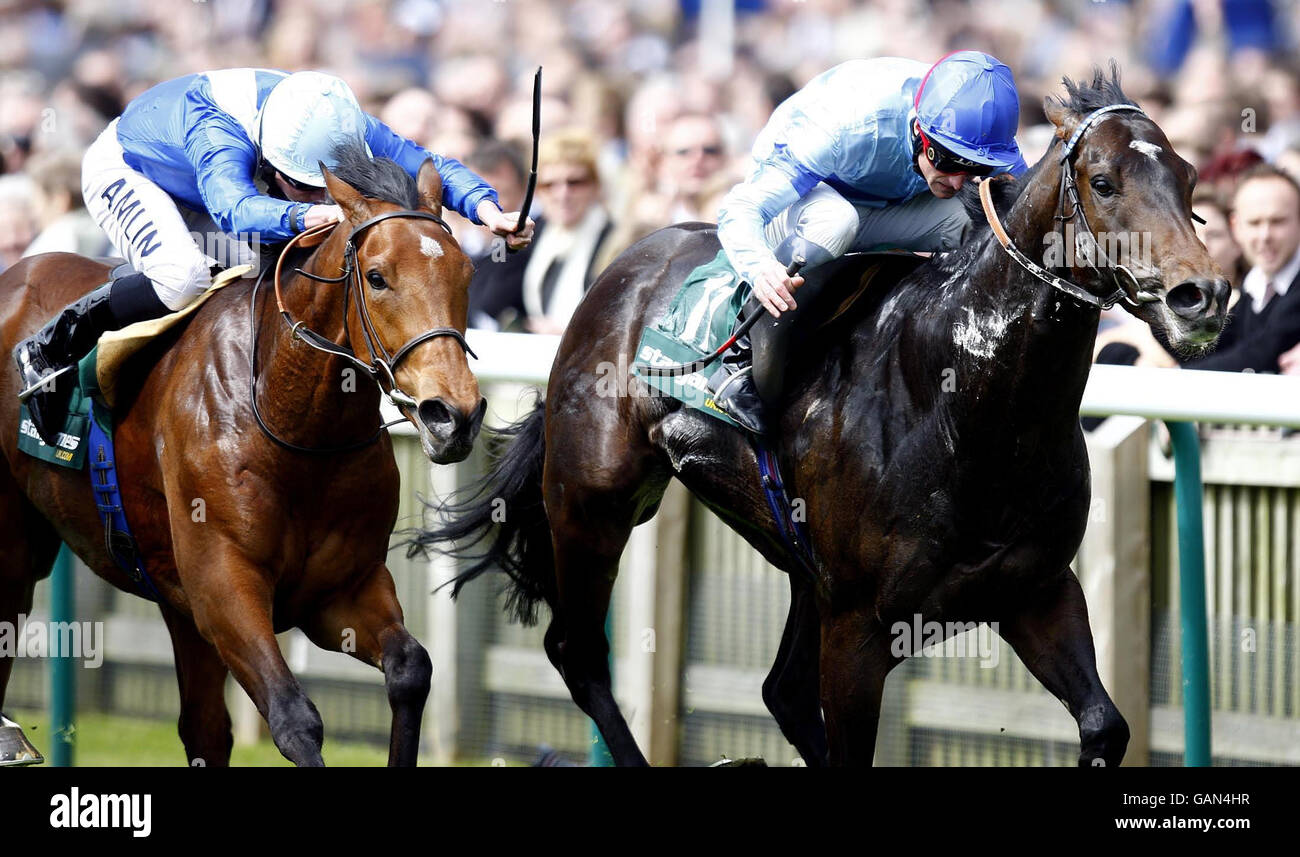 Horse Racing - StanJamesUK Guineas Festival - Day One - Newmarket Racecourse - Stock Image
