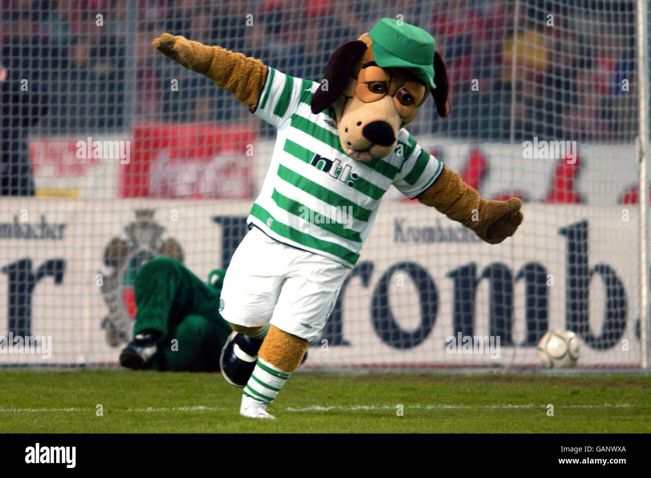 Vfb Stuttgart Mascot High Resolution Stock Photography And Images Alamy