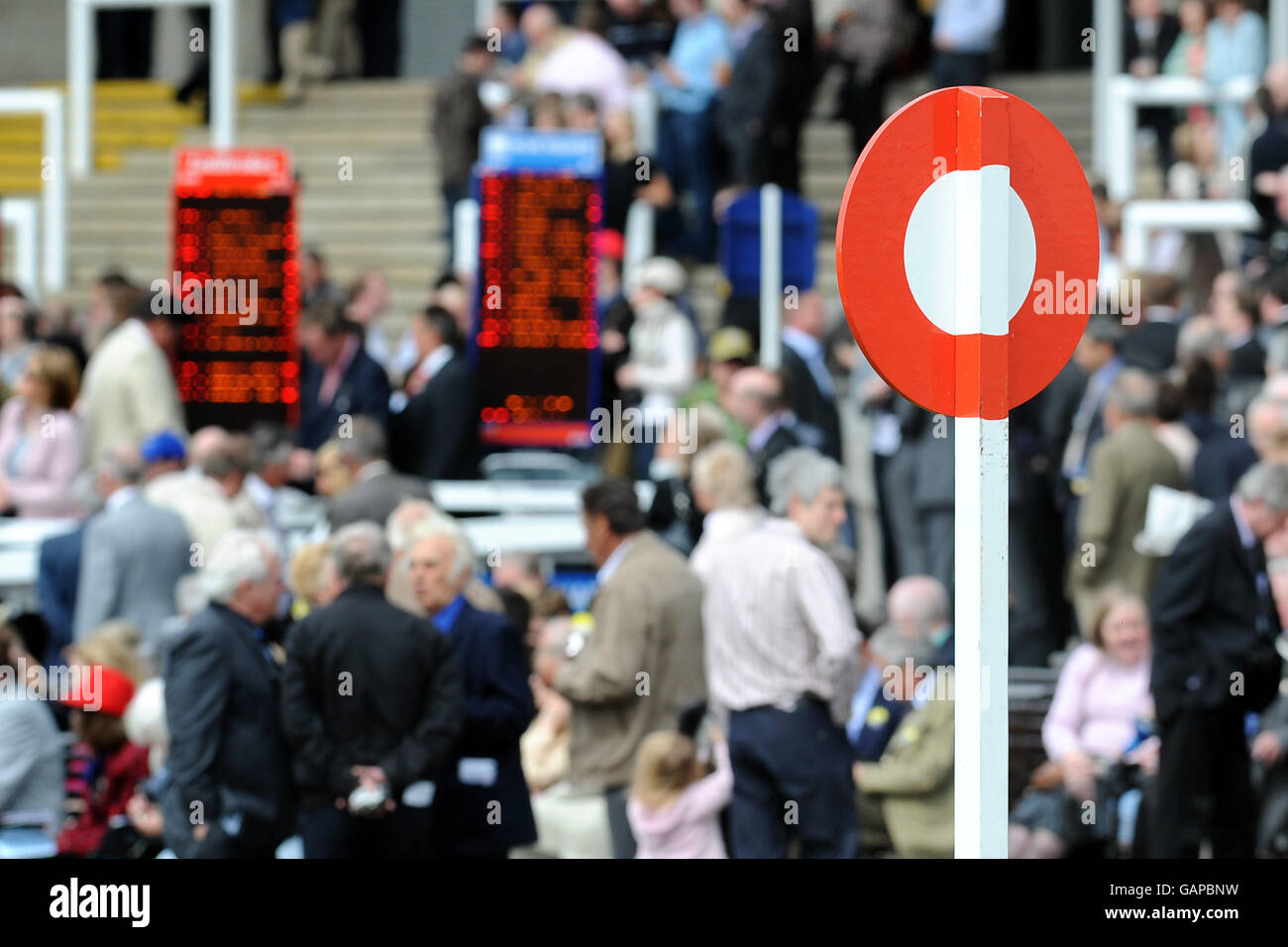 Horse Racing - StanJamesUK Guineas Festival - Day One - Newmarket Racecourse Stock Photo