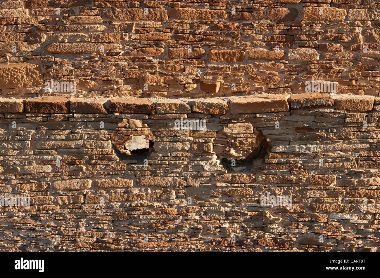 Wall with masonry details, Chetro Ketl ruins, Chaco Culture National Historical Park, New Mexico, USA Stock Photo
