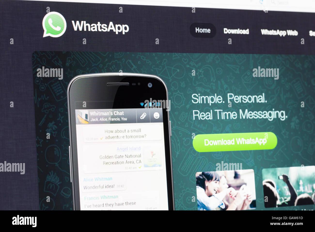 Screenshot of the Whatsapp homepage - Stock Image