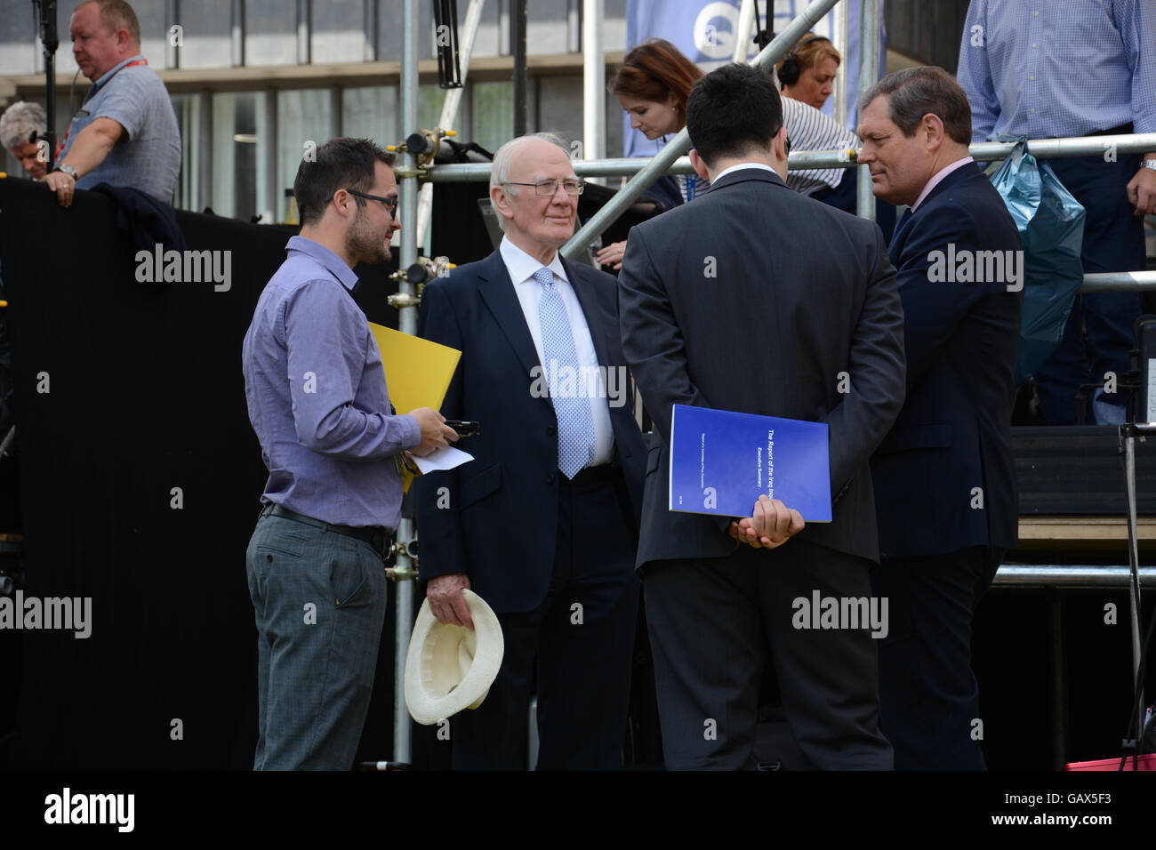 London, UK. 06th July, 2016. Ming Campbell waits to be interviewed outside Queen Elizabeth II Hall by Sky reporter - Stock Image