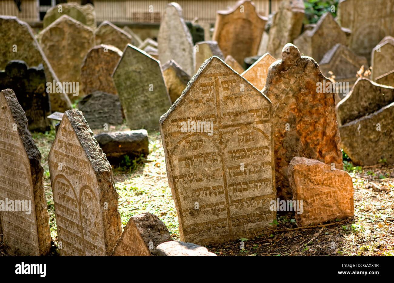 Jewish cemetery in Prague - Stock Image