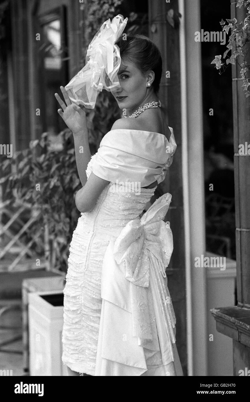 1980s Wedding Fashion Stock Photos & 1980s Wedding Fashion Stock ...