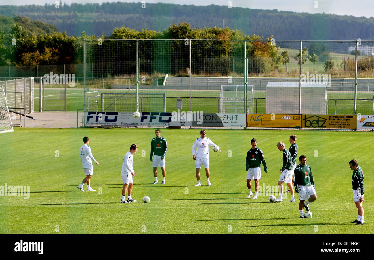 Soccer - FIFA World Cup 2010 - Qualifying Round - Group Eight - Republic Of Ireland Training - Stadion am Halberg - Stock Image