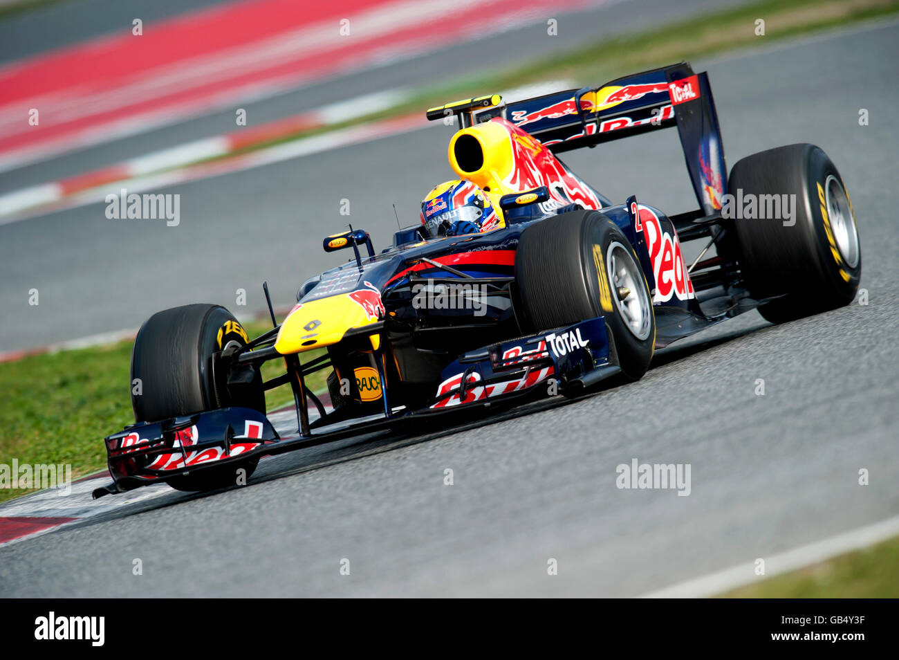 mark webber australia driving his red bull racing renault rb7 stock photo 110132499 alamy. Black Bedroom Furniture Sets. Home Design Ideas