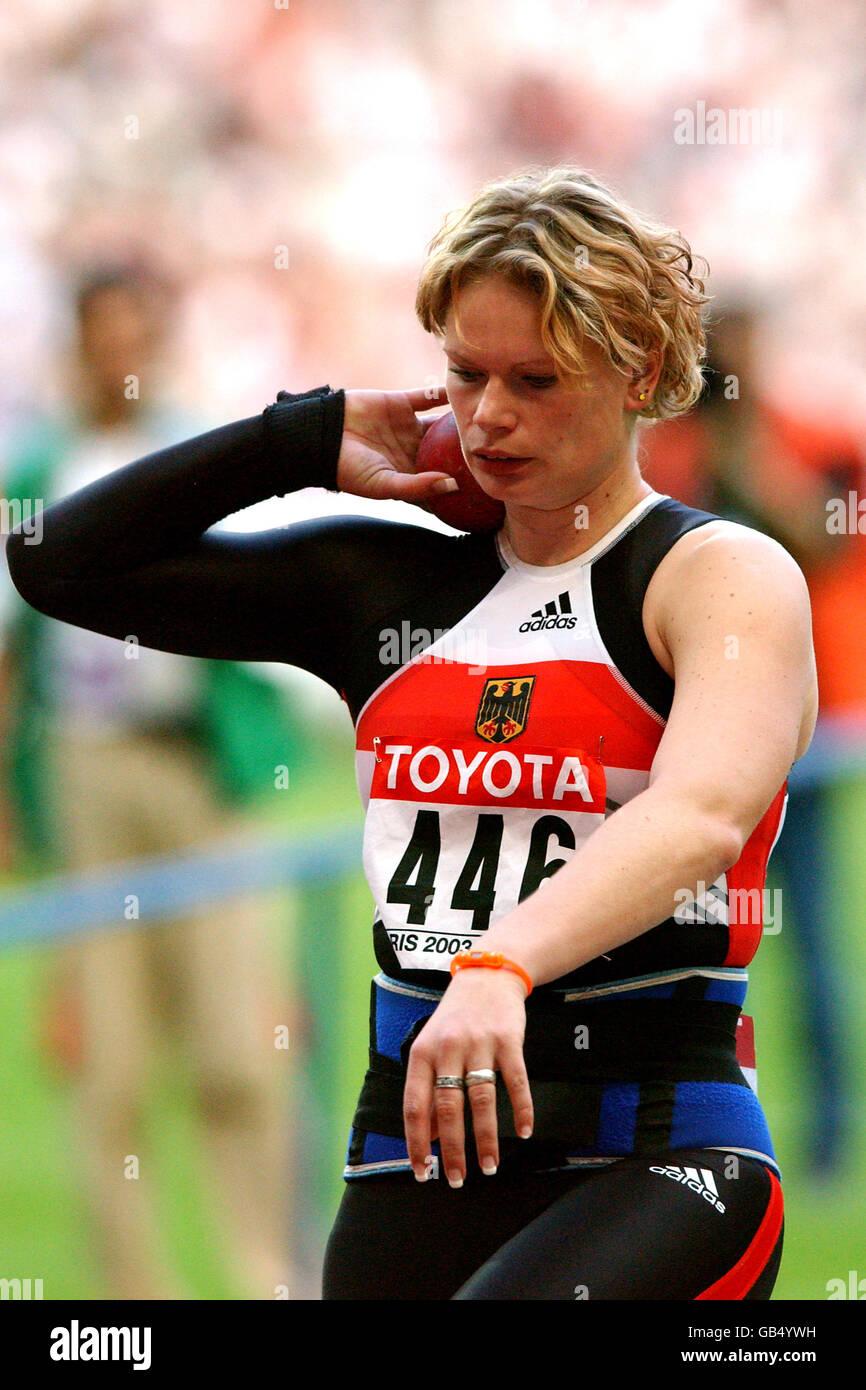 Athletics - IAAF World Athletics Championships - Paris 2003 - Women's Shot Put Final - Stock Image