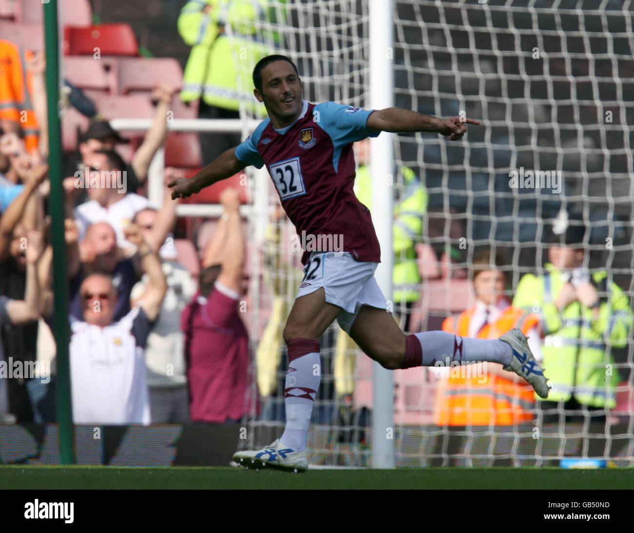 Soccer - Barclays Premier League - West Ham United v Newcastle United - Upton Park - Stock Image